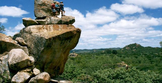 Safari de 9 jours - Chutes Victoria et les parcs nationaux de Hwange..