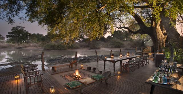 Safari par avion de 4 nuits / 5 jours au parc natinal de Mana Pool ..